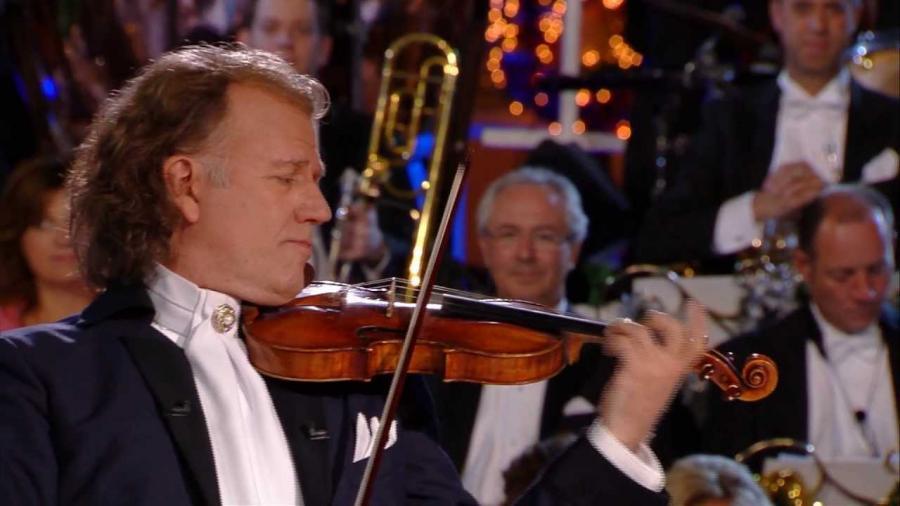 Andre Riue spiller violin